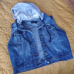 Hood Cropped Jean Vest